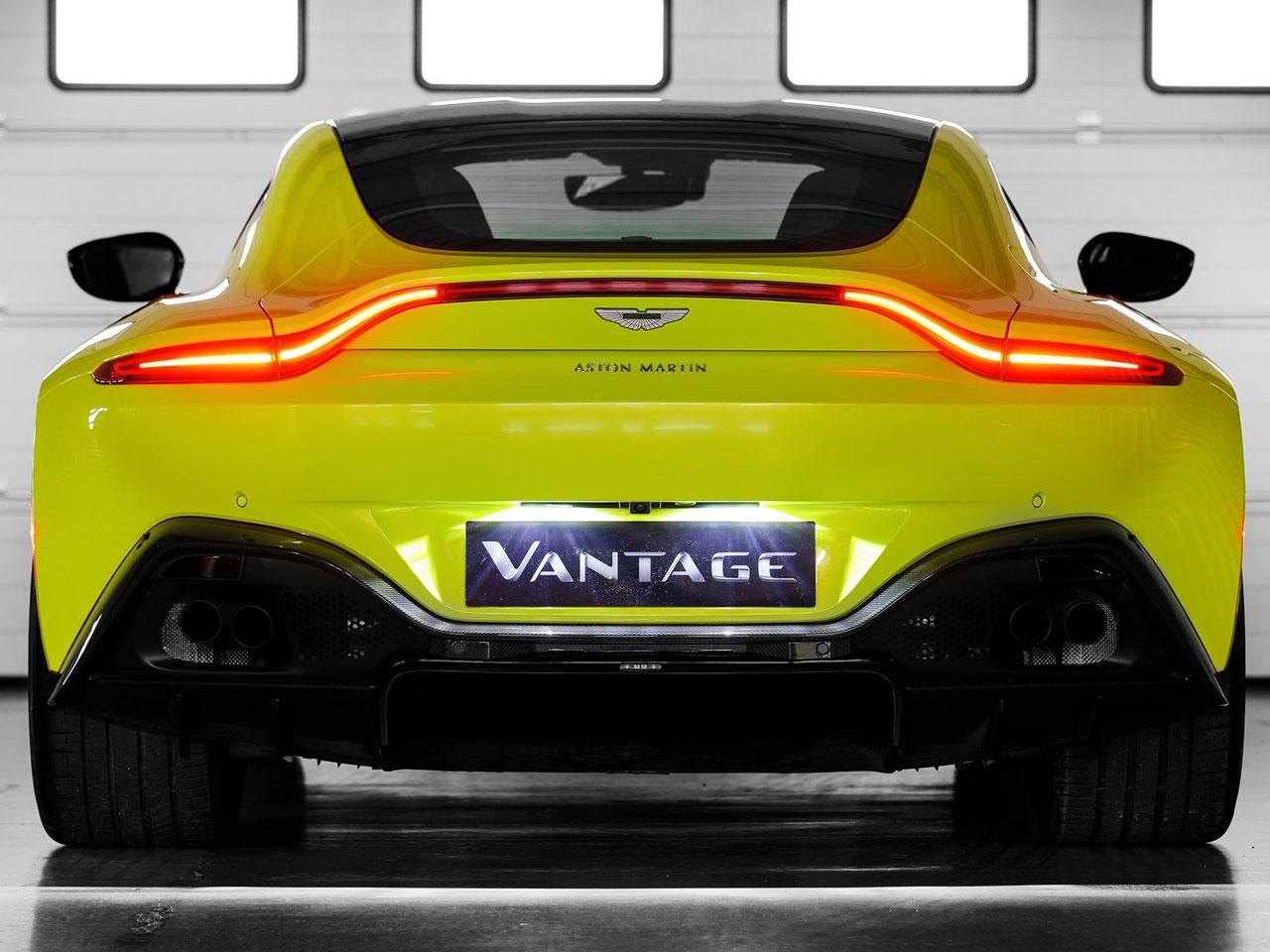 Trasera Aston Martin Vantage