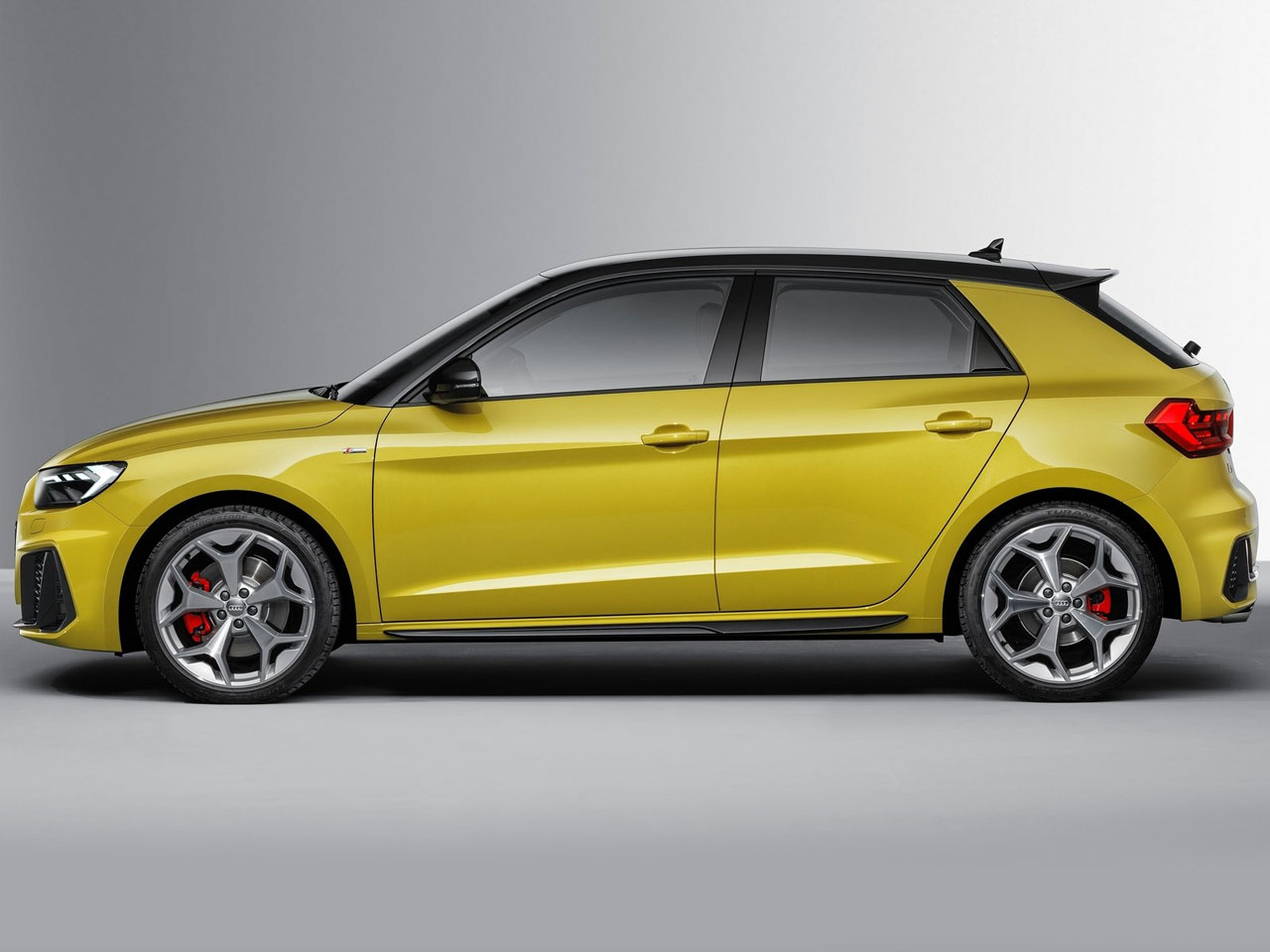 Lateral Audi A1