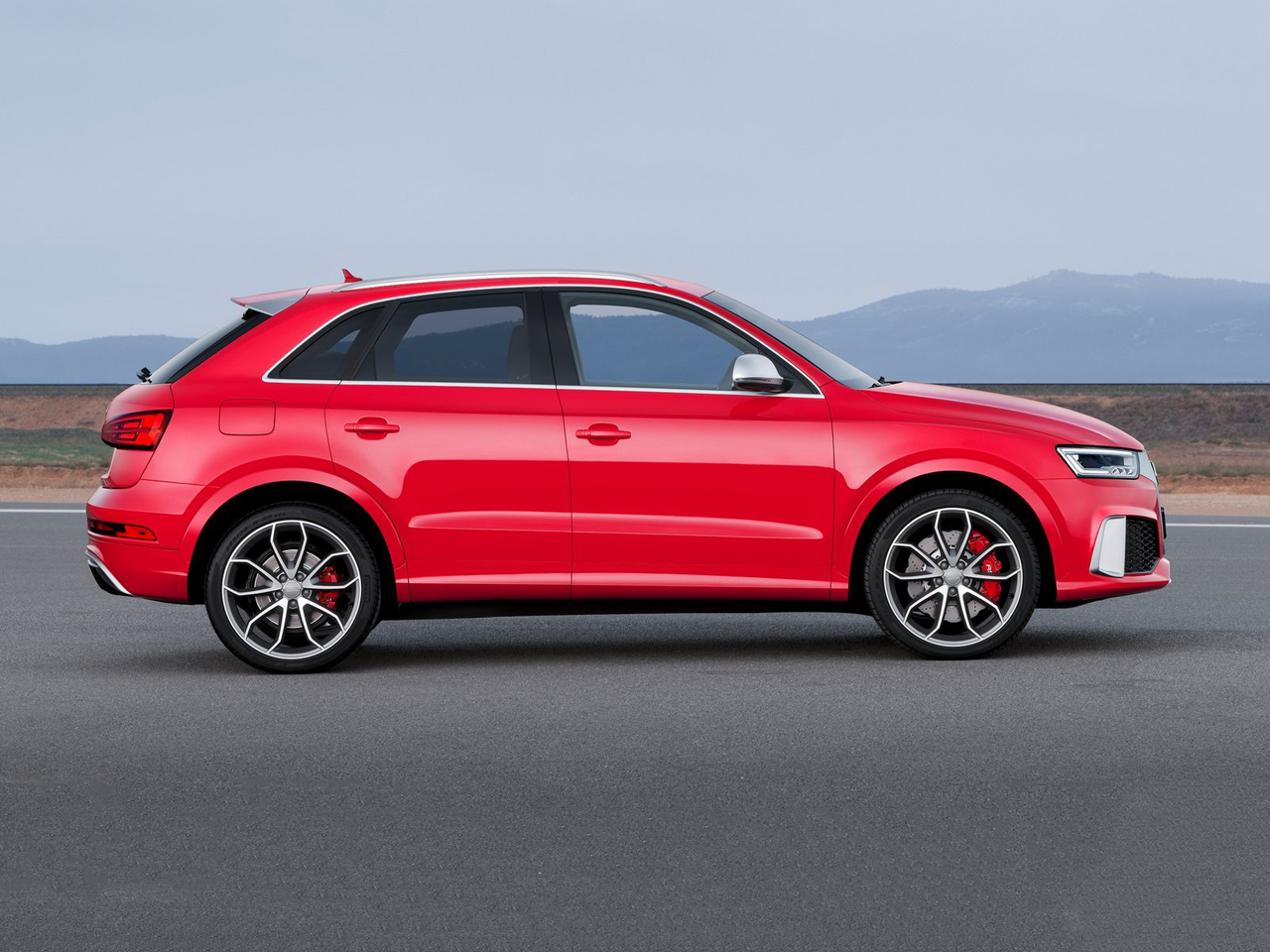 Lateral Audi RS Q3
