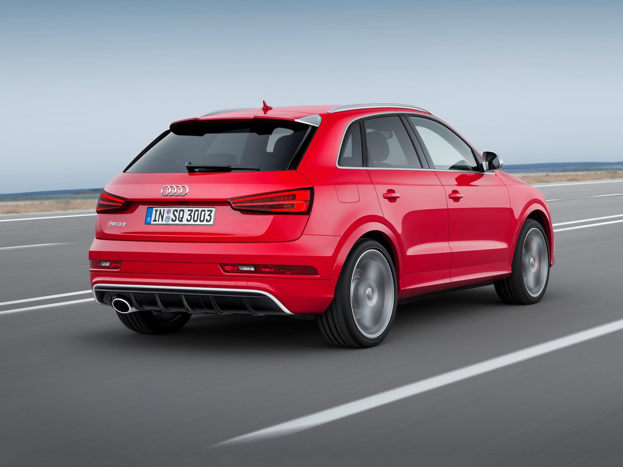 Lateral Audi Q3 RS