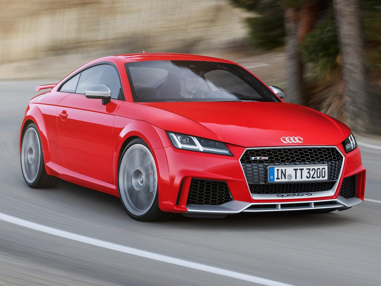 Audi TT RS exterior