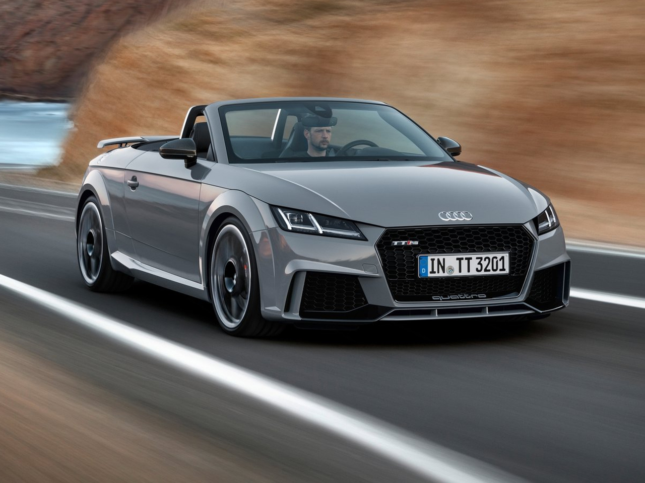 Frontal Audi TT RS Roadster