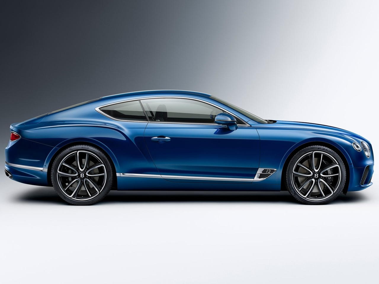 Lateral Bentley Continental GT