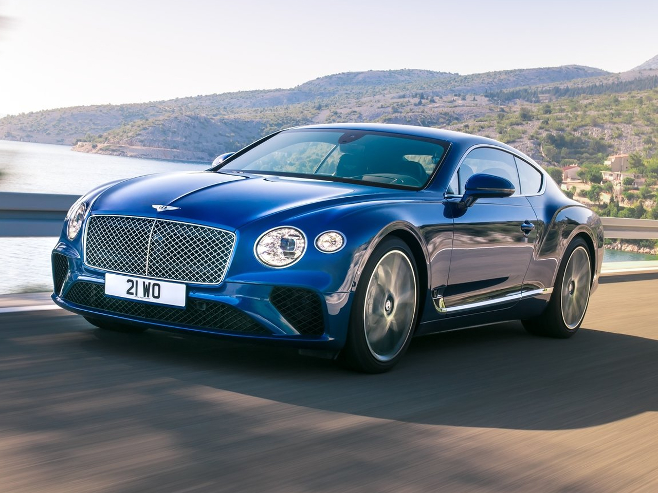 vista frontal bentley continental gt movimiento