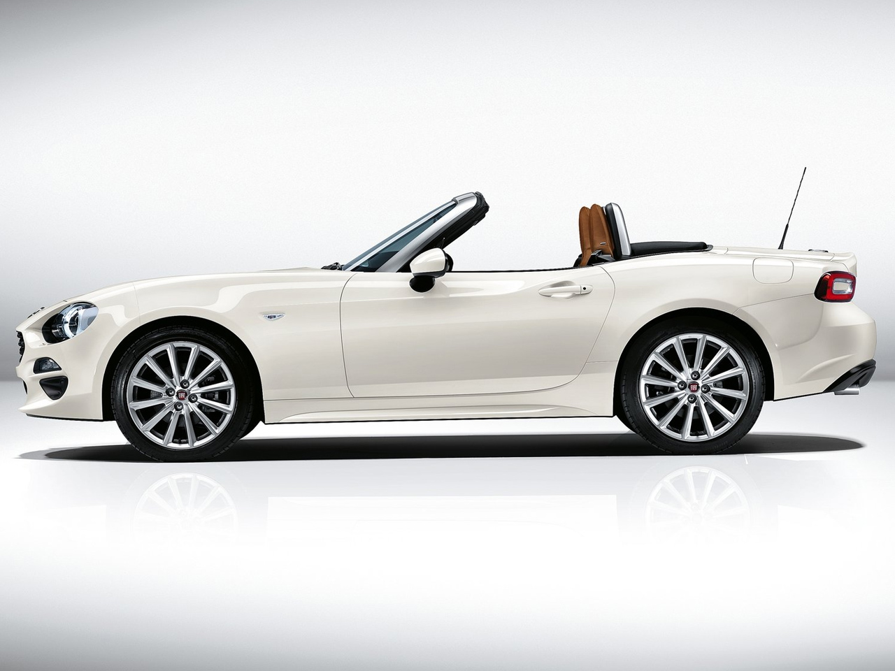 vista lateral fiat 124 spider