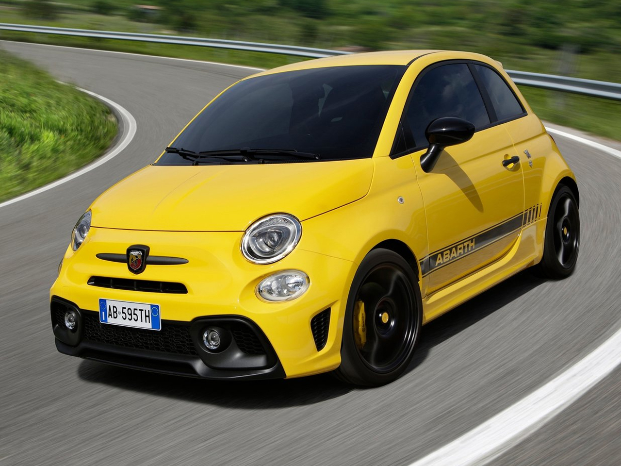 Frontal Abarth 595