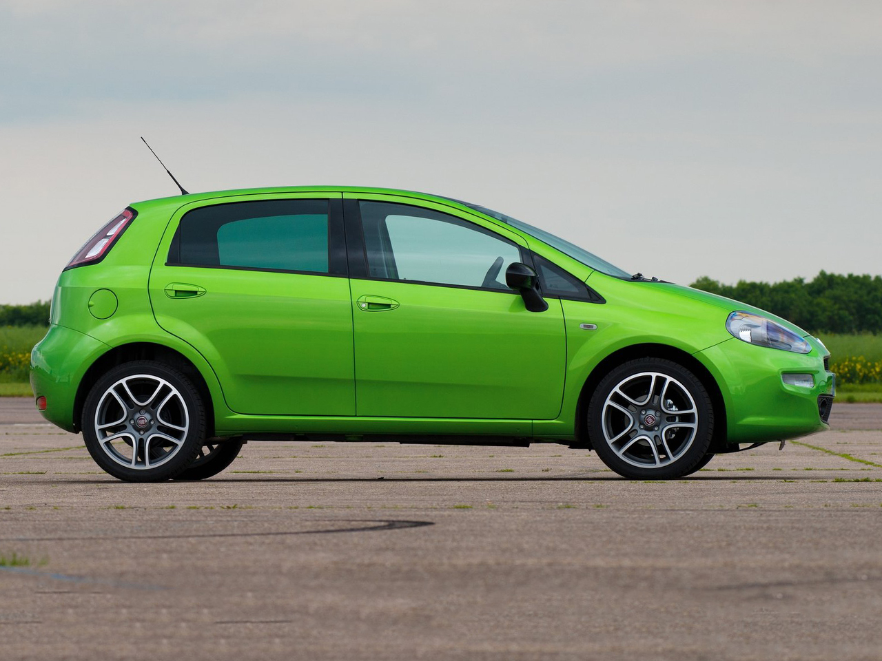 Lateral Fiat Punto