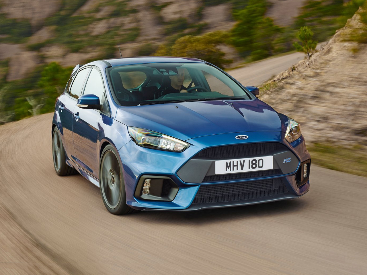 vista frontal ford focus rs movimiento