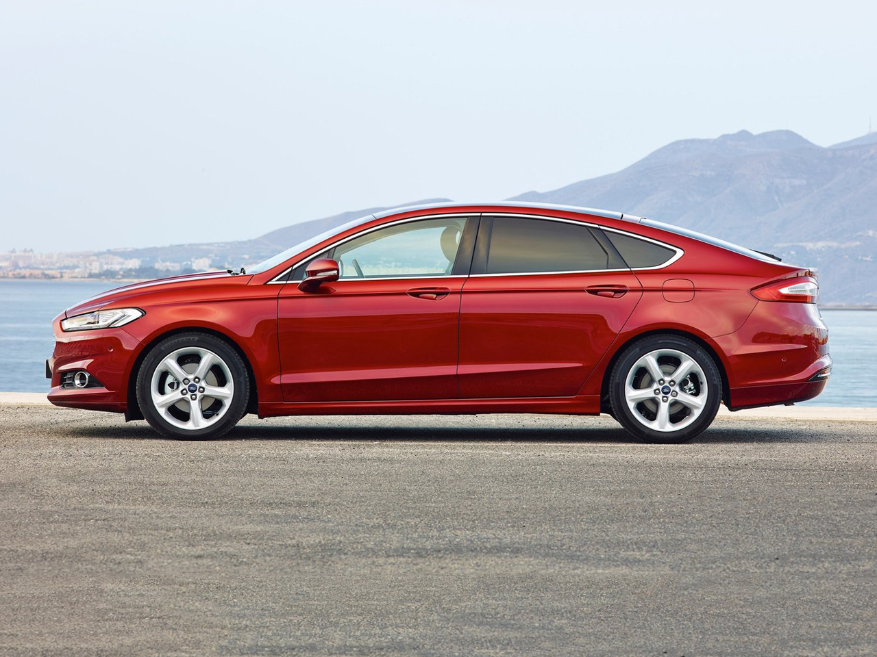 Lateral Ford Mondeo