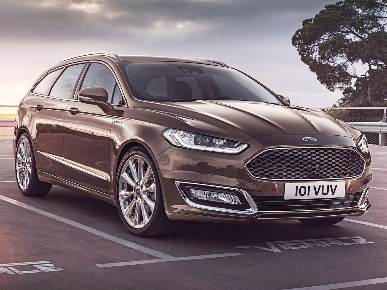 Frontal Ford Mondeo Vignale