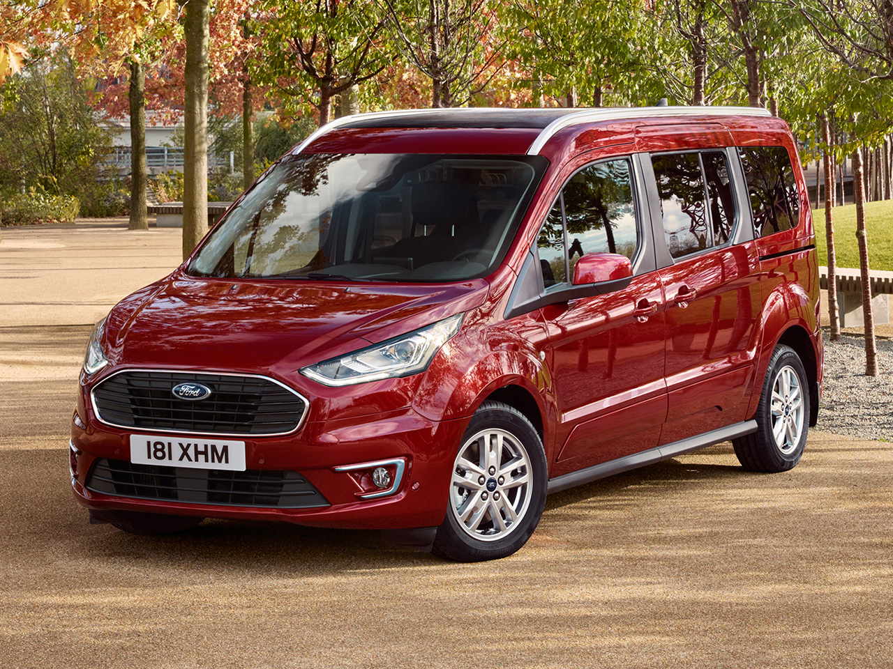 Frontal Ford Tourneo Connect