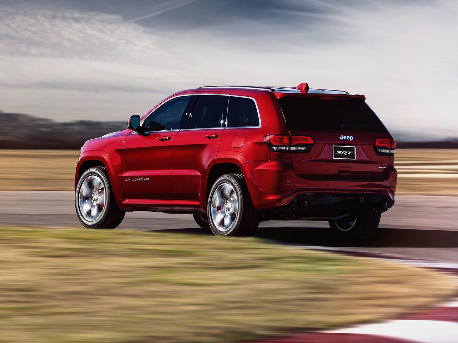 vista trasera jeep grand cherokee movimiento