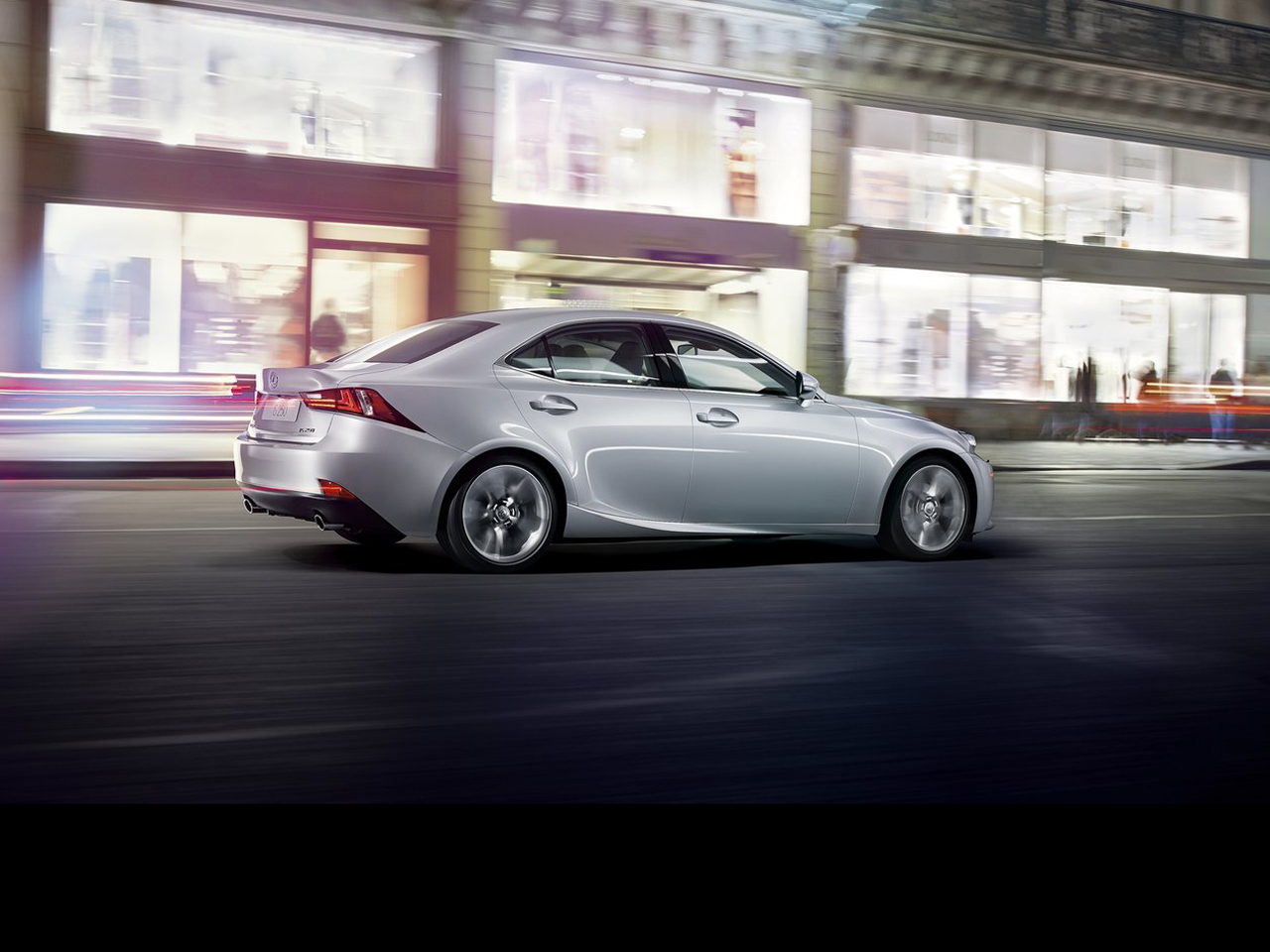 vista lateral lexus is movimiento