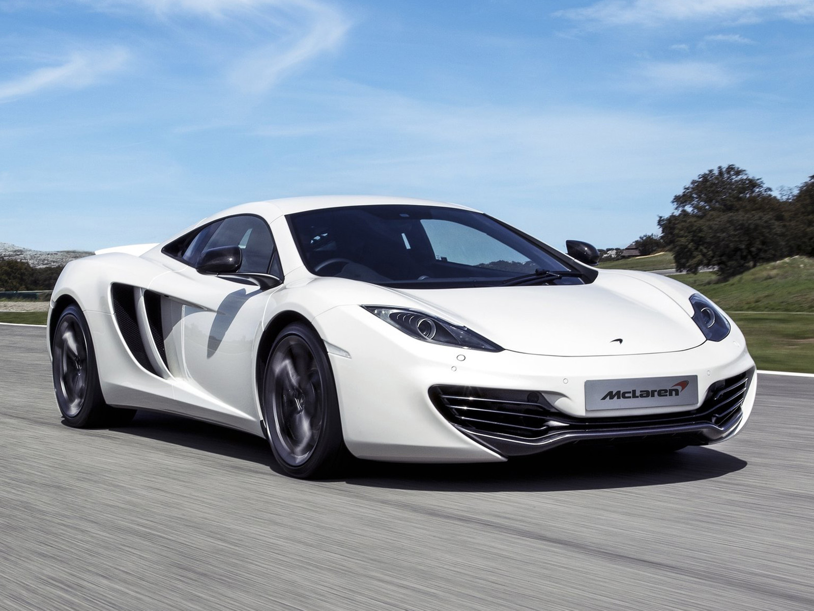 vista frontal mclaren mp4/12c movimiento