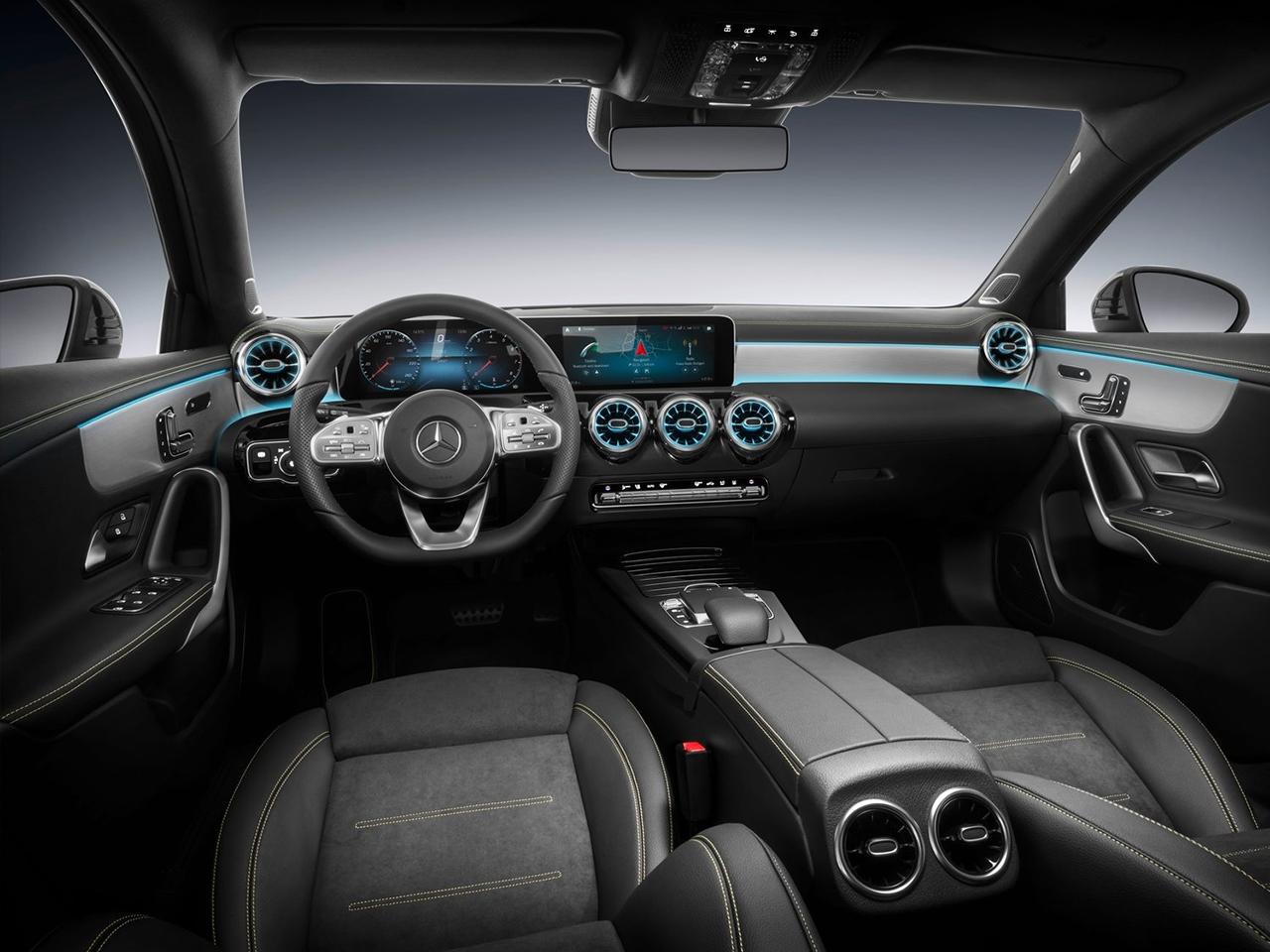 Mercedes clase a todas las versiones del mercado precios for Interior clase a