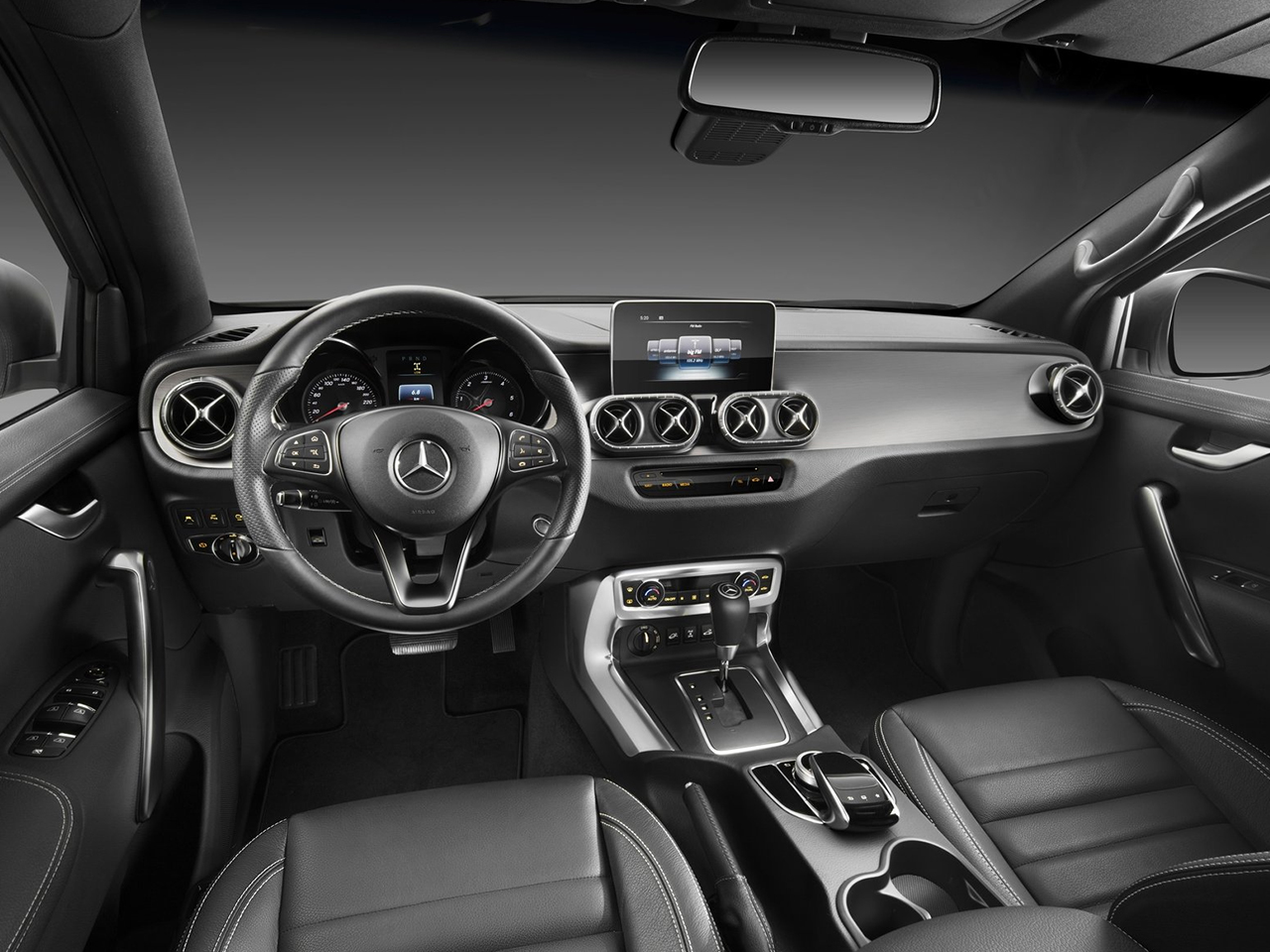 vista interior mercedes clase x