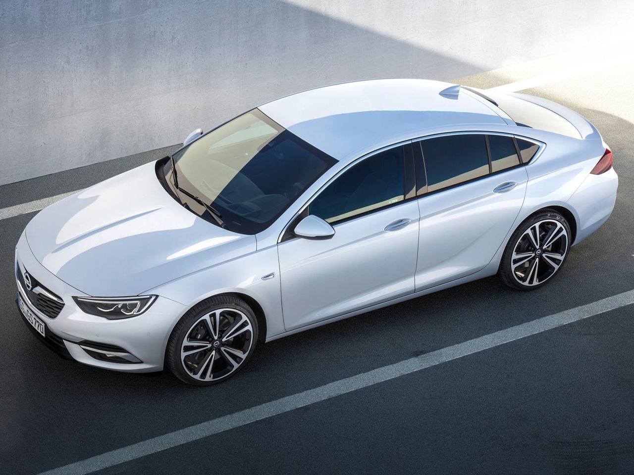 Lateral Opel Insignia