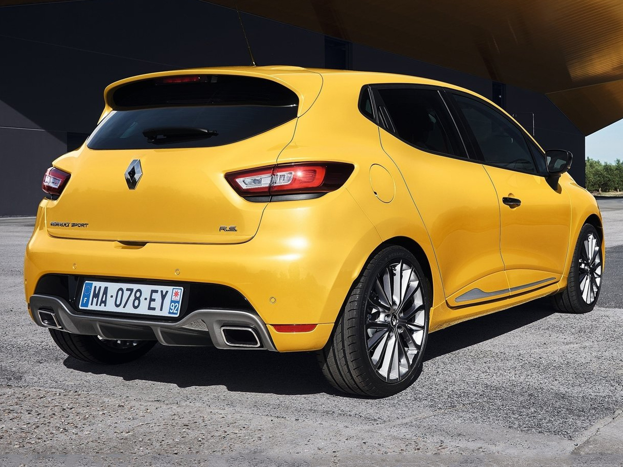 Trasera Renault Clio RS