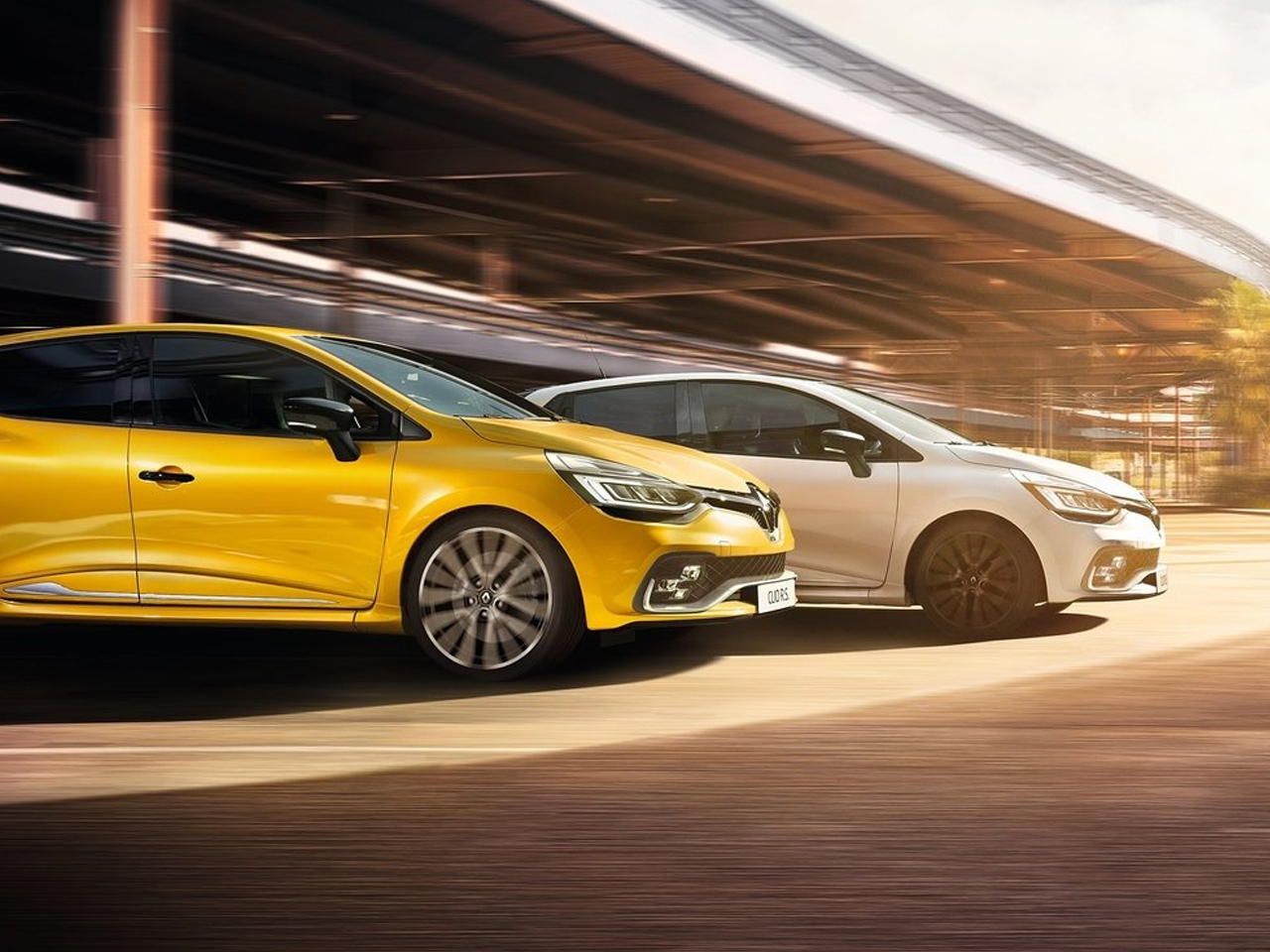 Lateral Renault Clio R.S.