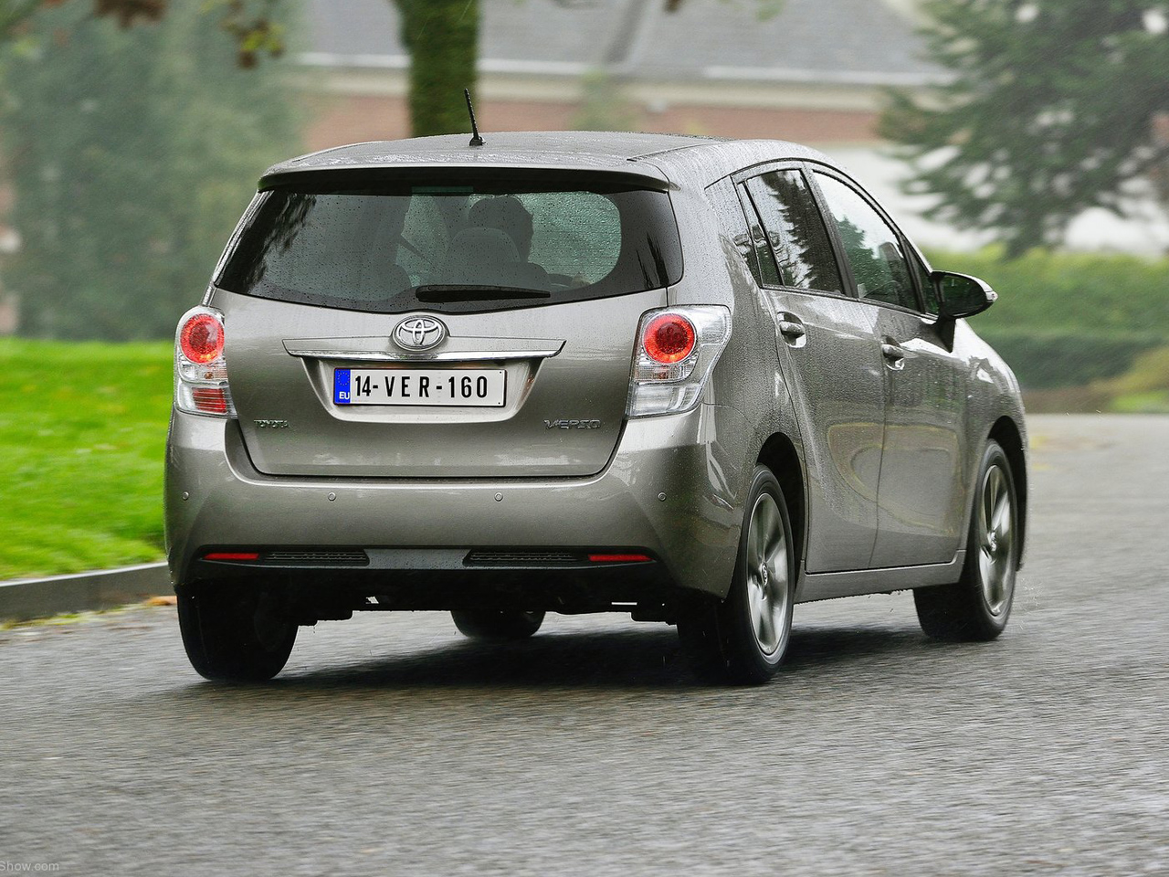 Trasera Toyota Verso