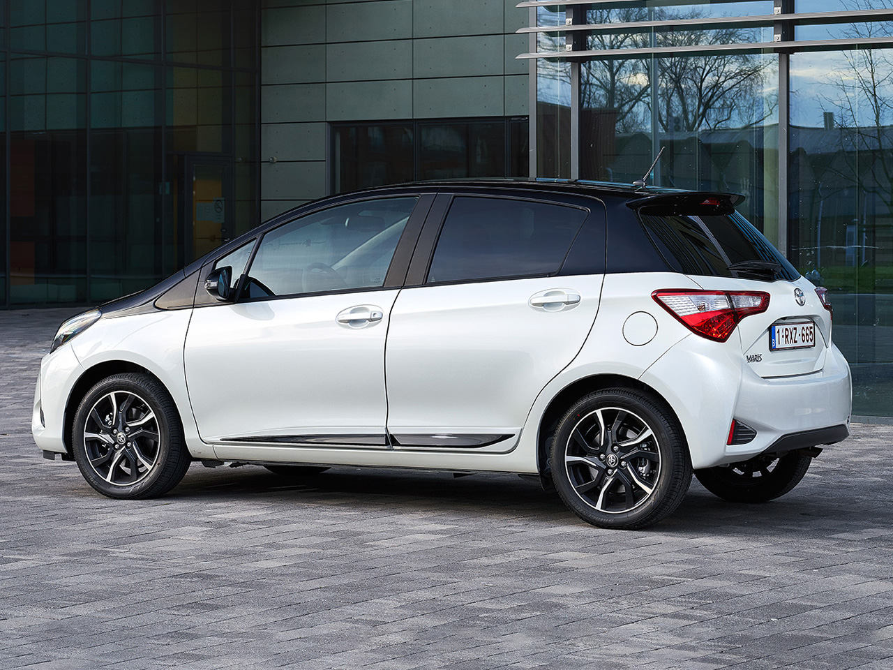 Trasera Toyota Yaris GRMN