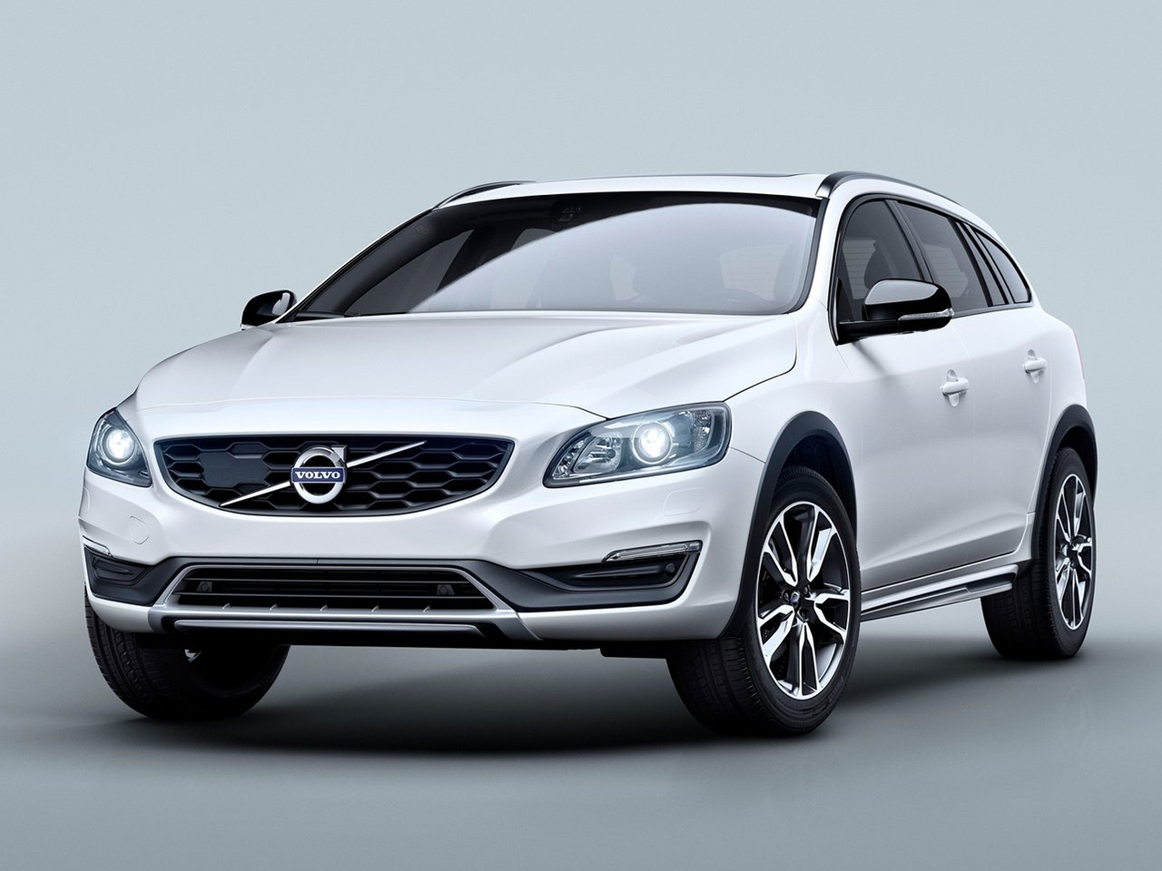 Frontal Volvo V60 Cross Country