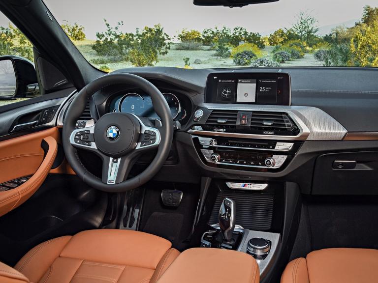 Interior del BMW X3 adaptado a las necesidades de un usuario de SUVs