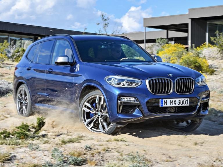 BMW X3 mostrando su poderio con las 4 ruedas