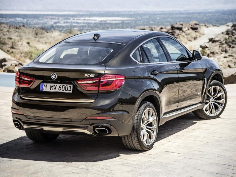 BMW X vista trasera