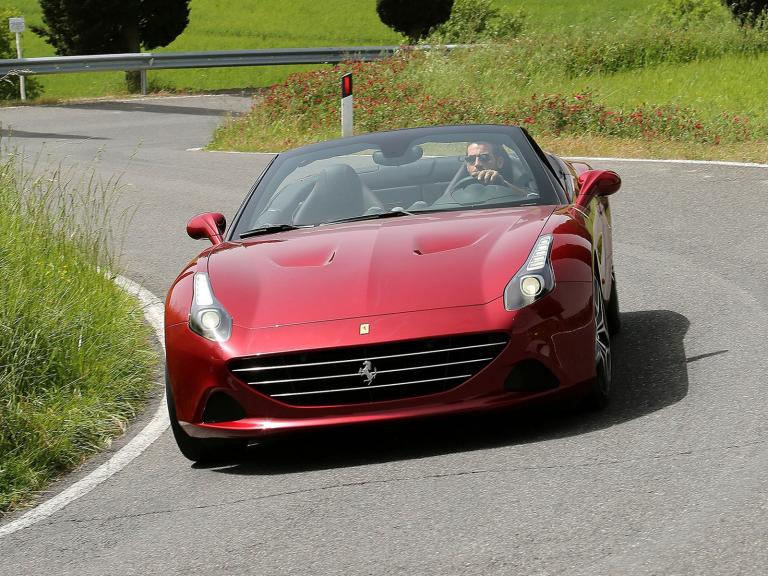 vista frontal ferrari california t