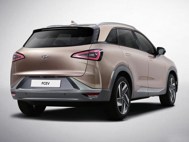 Hyundai Nexo tres cuartos trasera