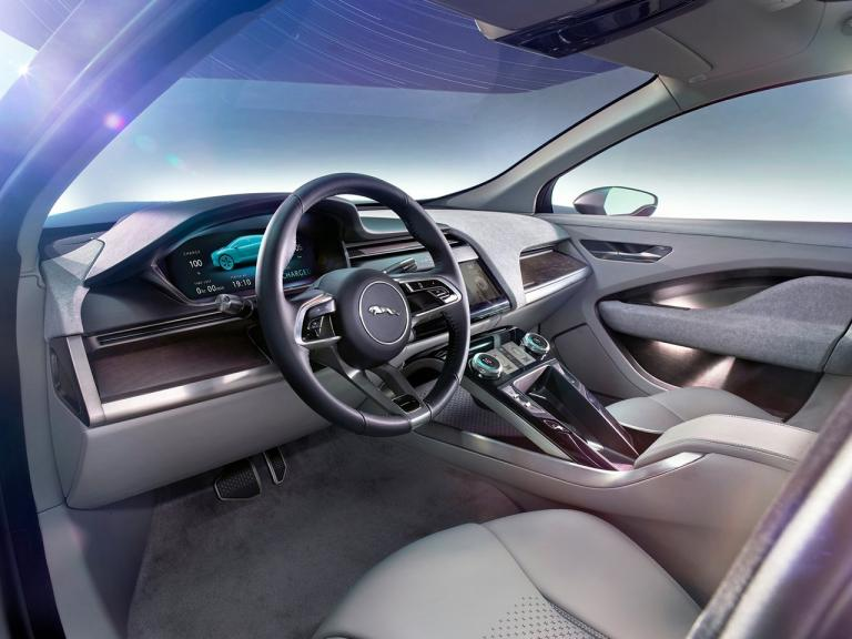 vista interior jaguar i-pace