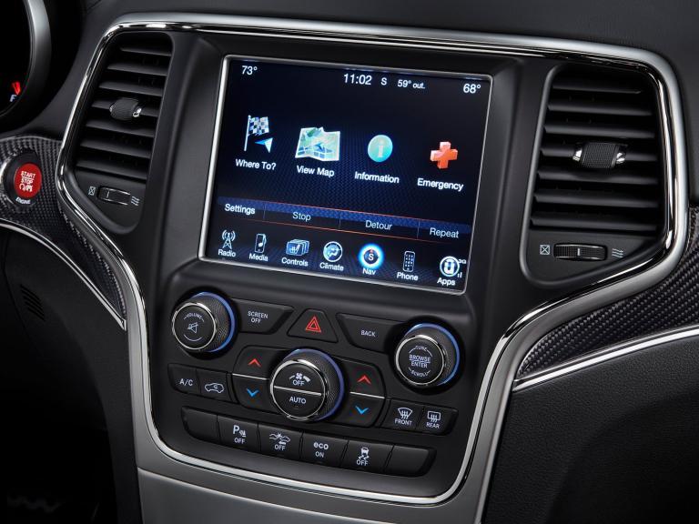 vista interior jeep grand cherokee