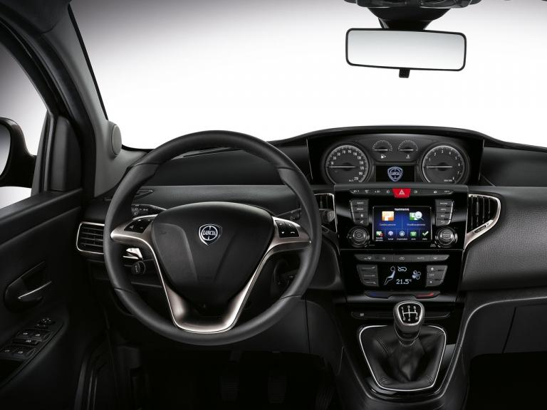 vista interior lancia ypsilon