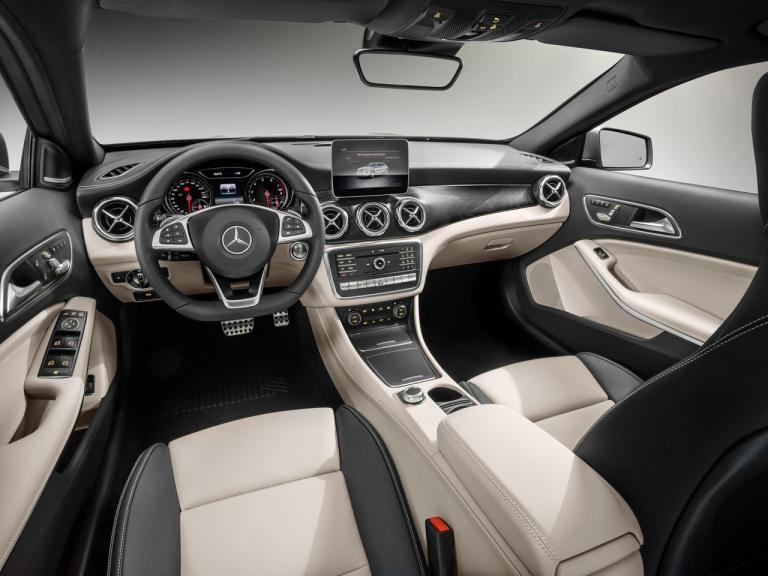 Interior Mercedes GLA