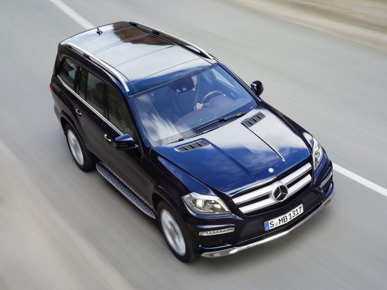 vista frontal mercedes clase gl movimiento