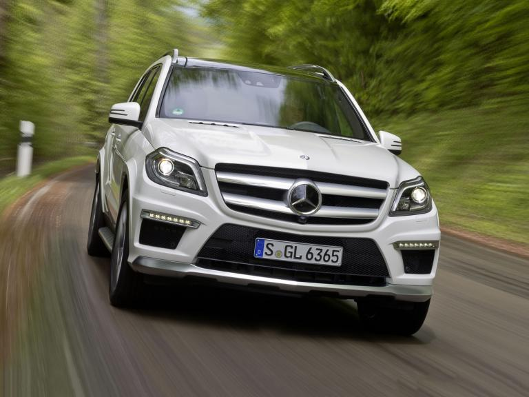 vista frontal mercedes clase gl amg movimiento