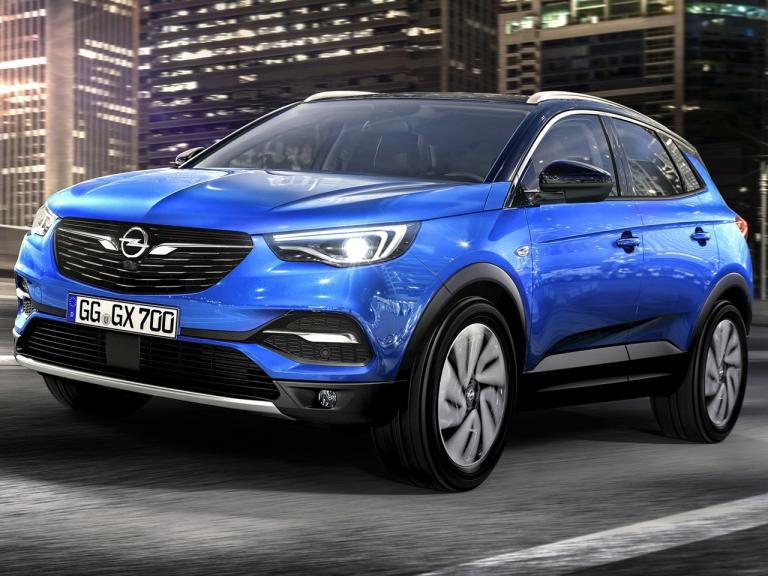 vista frontal opel grandland x movimiento