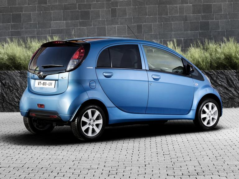 Peugeot iOn exterior