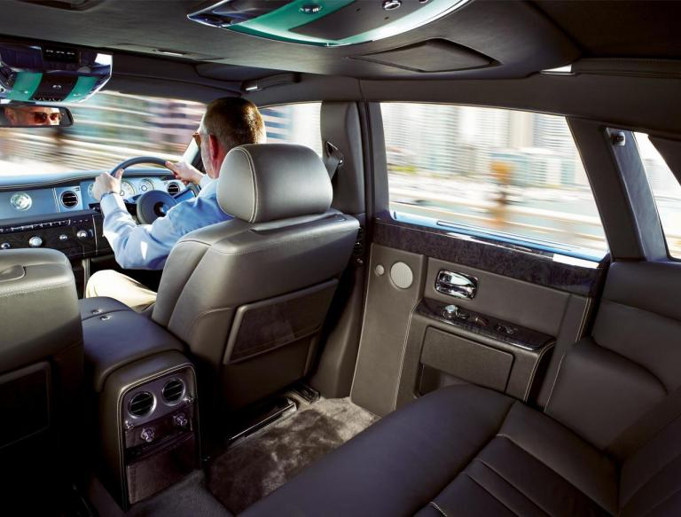 vista interior rolls royce phantom