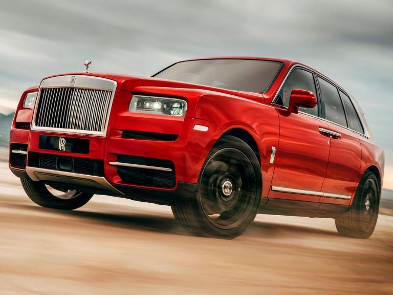 Frontal Rolls-Royce Cullinan
