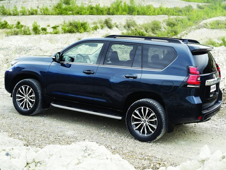 Lateral Toyota Land Cruiser