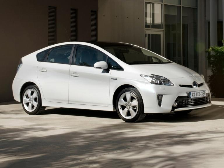 Lateral Toyota Prius