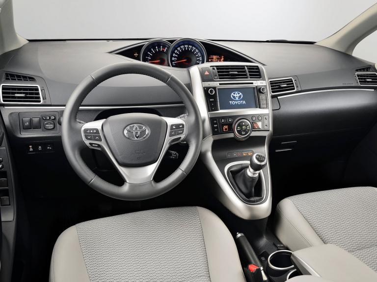 Interior Toyota Verso