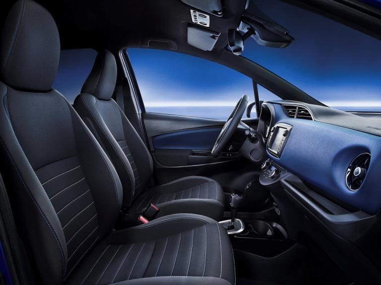 Interior Toyota Yaris Hybrid
