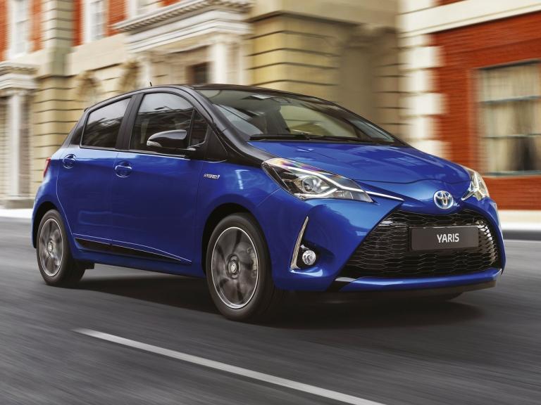 Frontal Toyota Yaris Hybrid