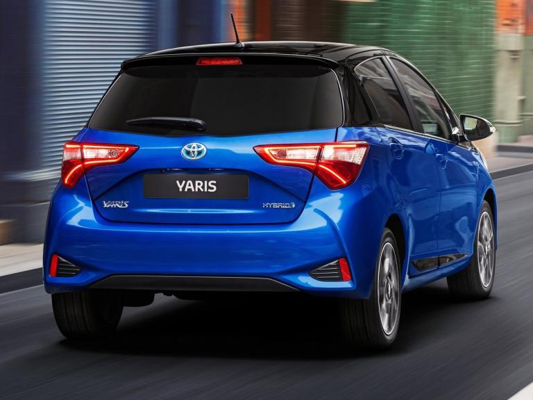 Trasera Toyota Yaris Hybrid