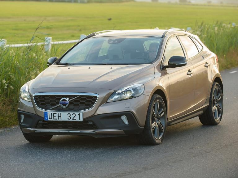 vista frontal volvo v40 cross country