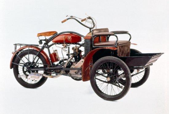 1901 - 1910 El primer automóvil